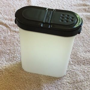 Tupperware spice container
